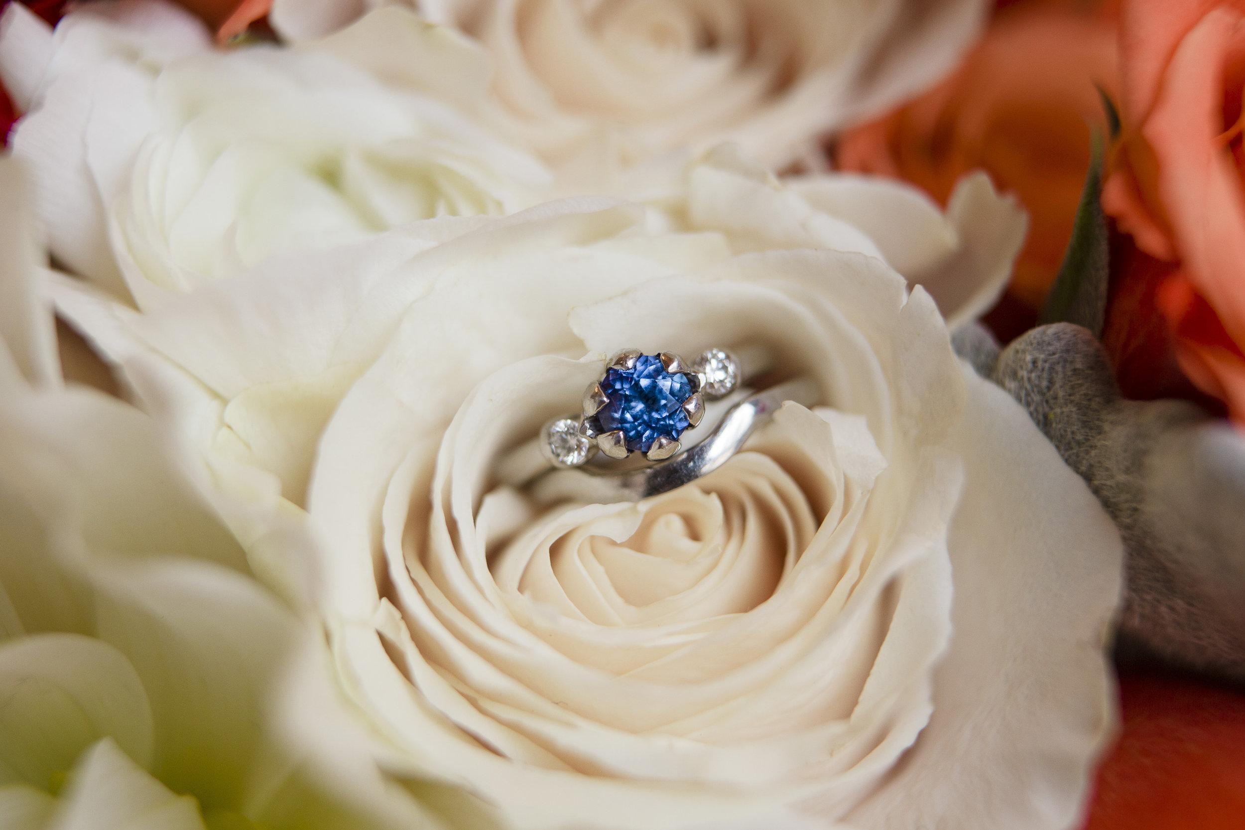 kristen-vance-fraser-colorado-winter-wedding-sapphire-ring-2017.jpg