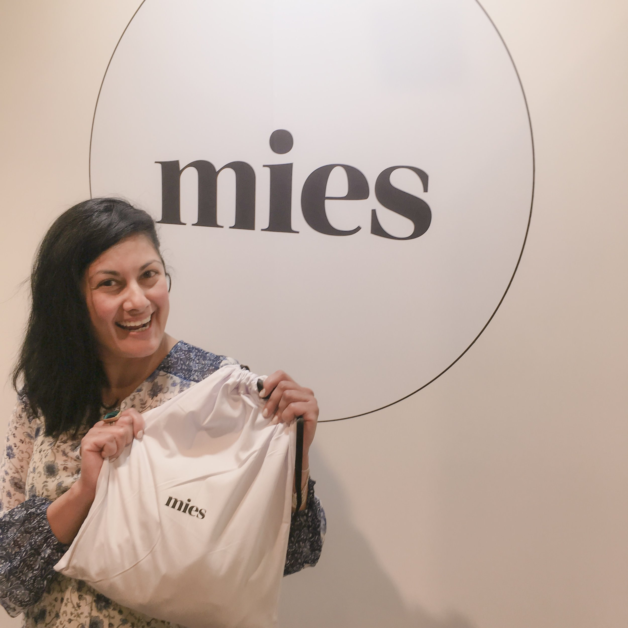 Ah... Mies is Melbourne based designs who focus on my kind of empowering women with beautiful, elegant and classic though sexy pieces with details and endless choice in amazing fabric. You will see more of the piece in my next blog.