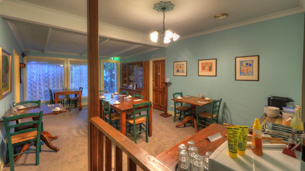 breakfast room.jpg