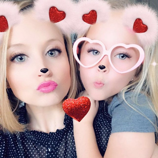 "🎶 ""I hope you don't mind that I put down in words, how wonderful life is, now you're in the world"" 🎶 #happyvalentinesday from me & my mini 💖 #eltonjohn #socialgracesmedia"