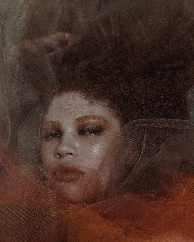 queen alexis . . . . model: @lexpfromthevill  photographer: @z0a  h/mua: @bylingalooks  conecept/styling/location: Lindsey O. special thanks to @quinn1 🔌 - - #girlcollective #girlgaze #curatedbygirls #womeninthearts