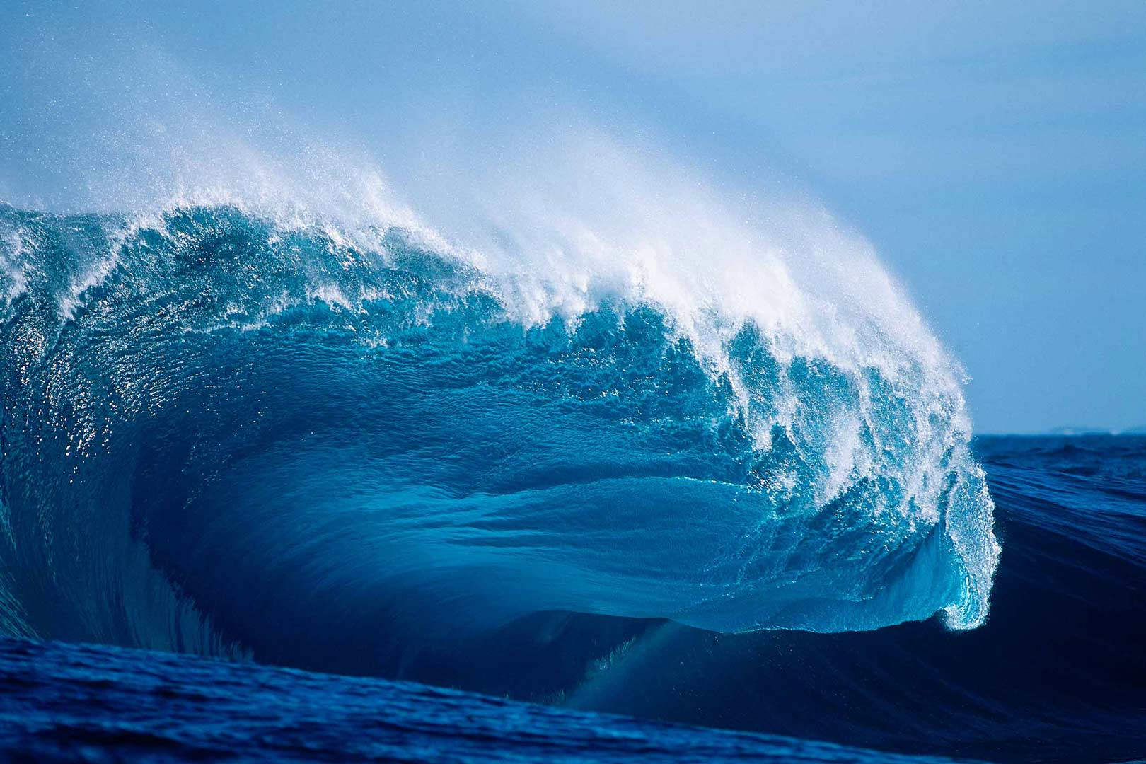 EXTREME SURF PHOTOGRAPHY The original 'Cyclops' from a slab hunting expedition