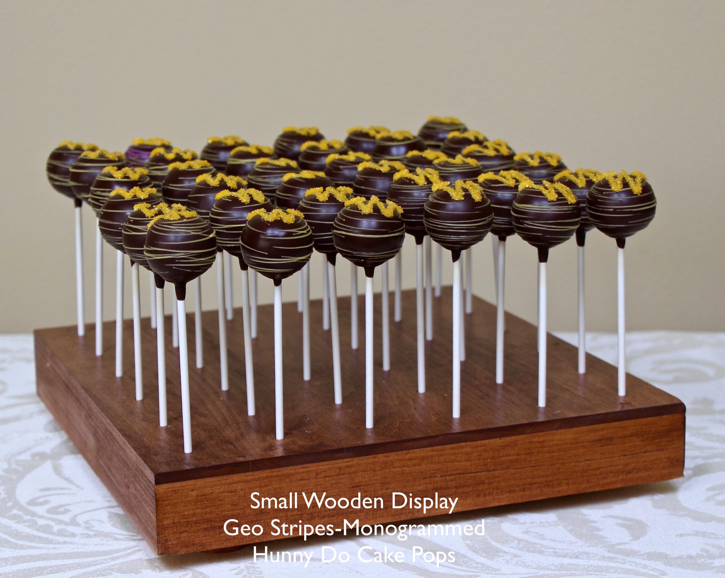 UW Graduation Cake Pops HunnyDo 4.jpg
