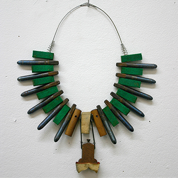 44-greennecklace.jpg
