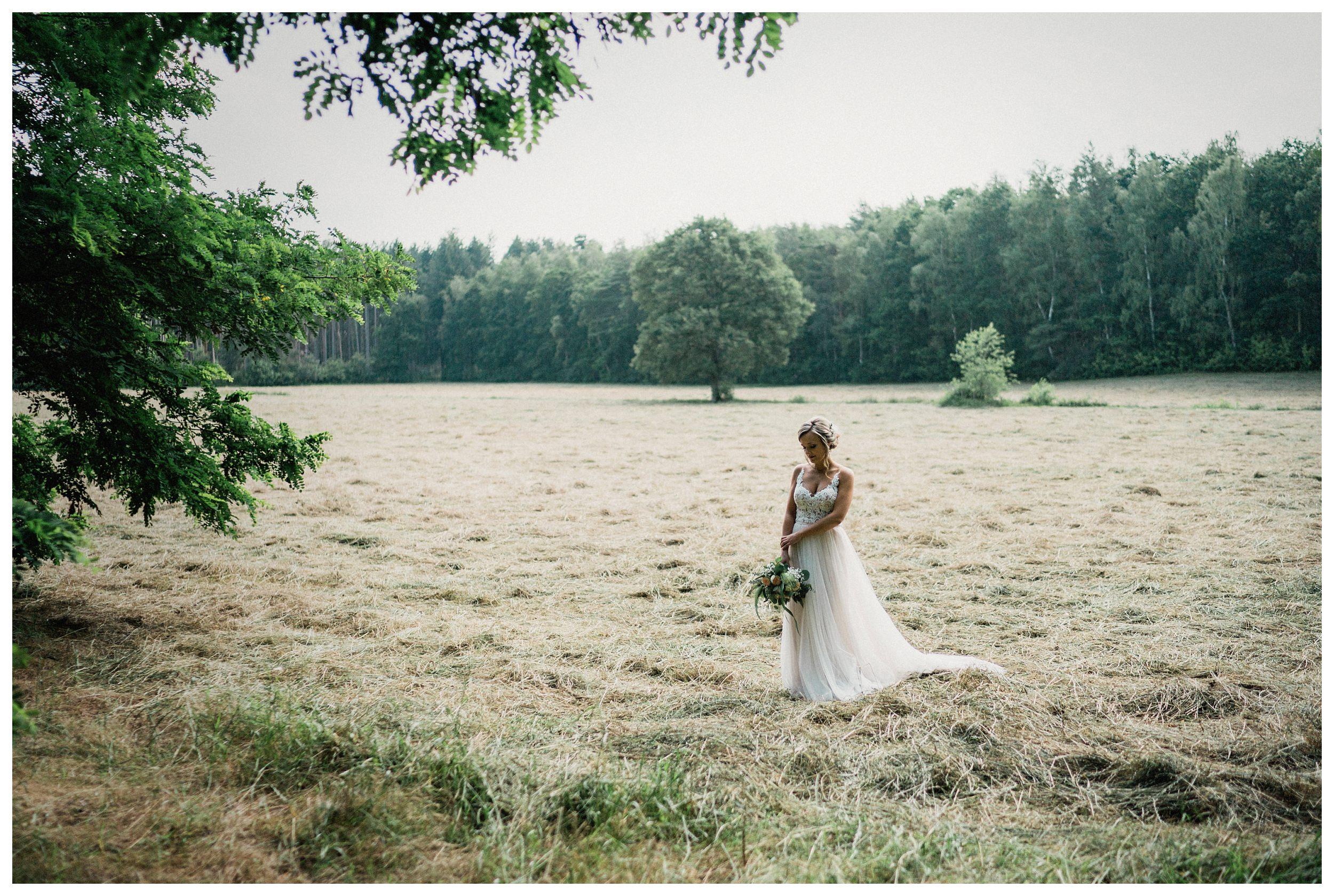 huwelijksfotograaf bruidsfotograaf destinationwedding huwelijksfotografie in mol oostham (25).jpg