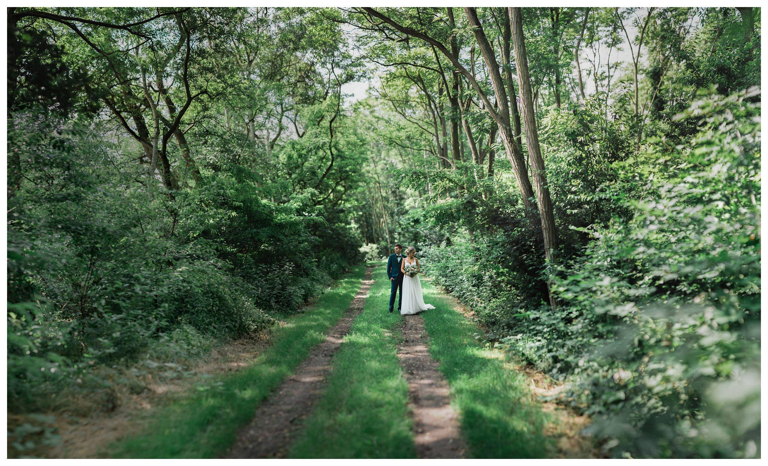 huwelijksfotograaf bruidsfotograaf destinationwedding huwelijksfotografie in mol oostham (26).jpg