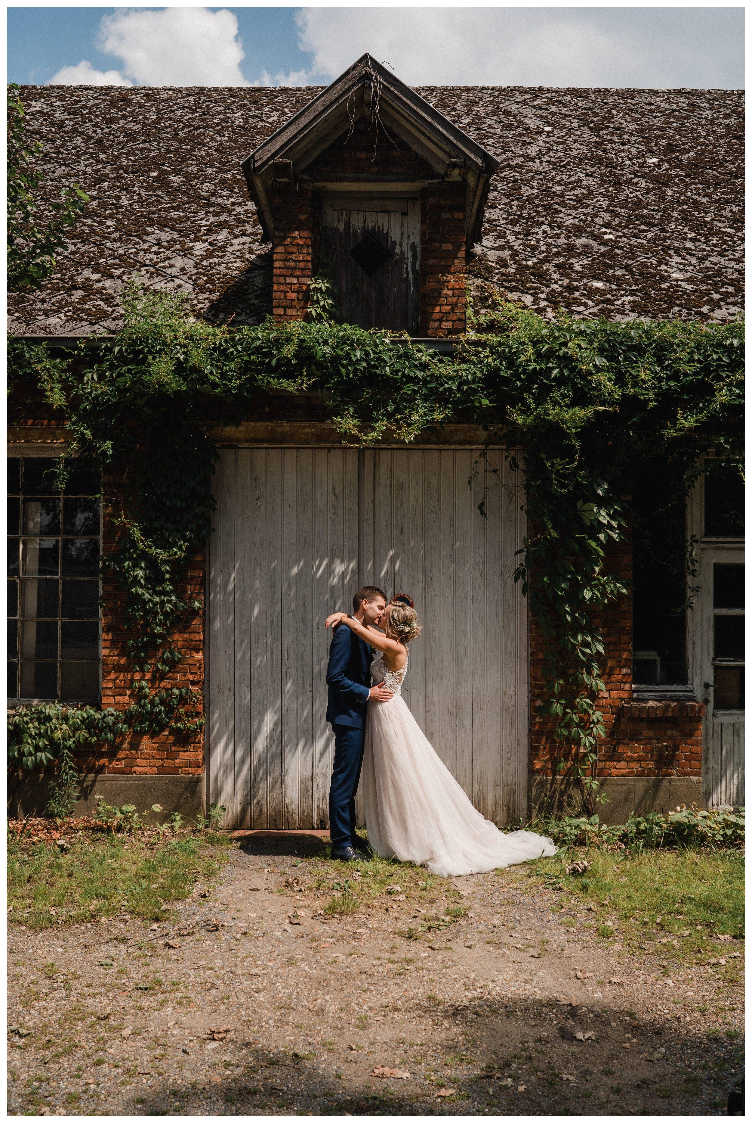 huwelijksfotograaf bruidsfotograaf destinationwedding huwelijksfotografie in mol oostham (37).jpg