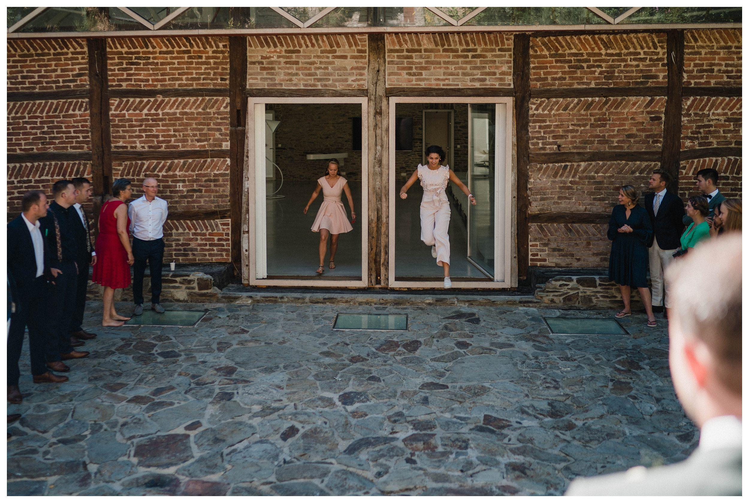 huwelijksfotograaf bruidsfotograaf destinationwedding huwelijksfotografie in ardennen nederland (21).jpg