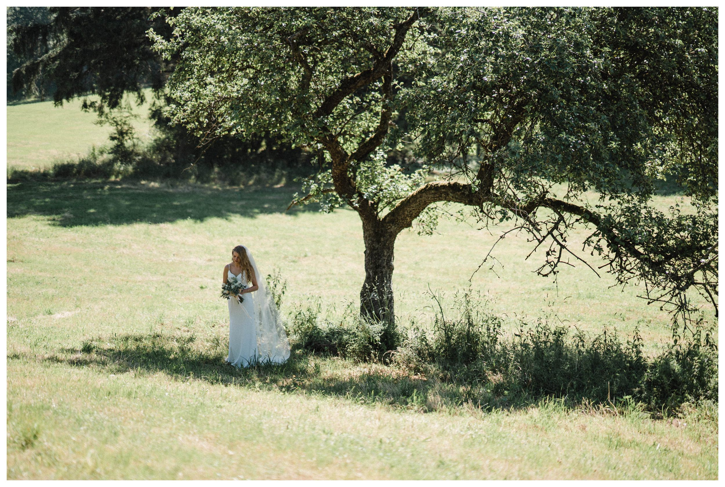 huwelijksfotograaf bruidsfotograaf destinationwedding huwelijksfotografie in ardennen nederland (42).jpg