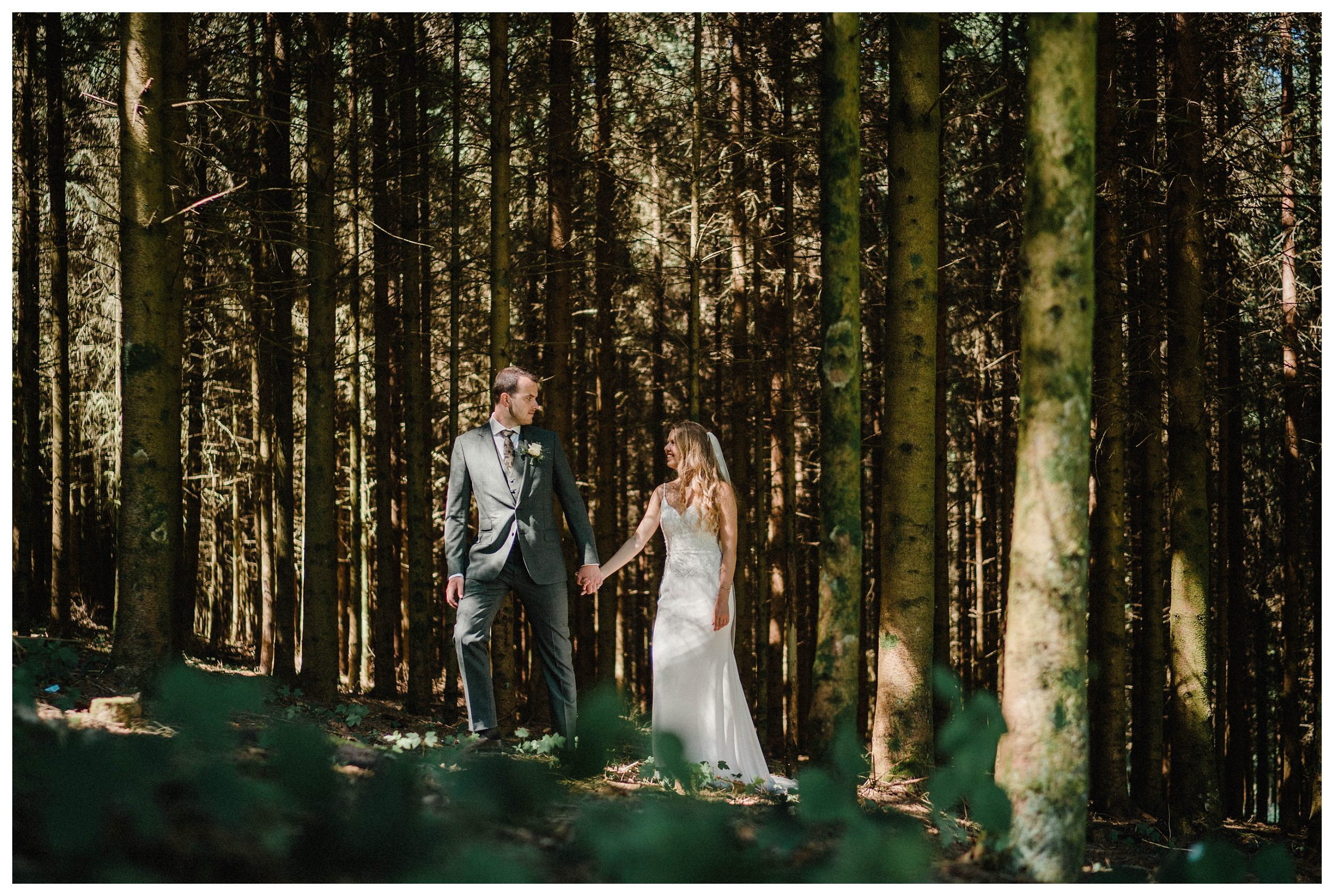 huwelijksfotograaf bruidsfotograaf destinationwedding huwelijksfotografie in ardennen nederland (48).jpg