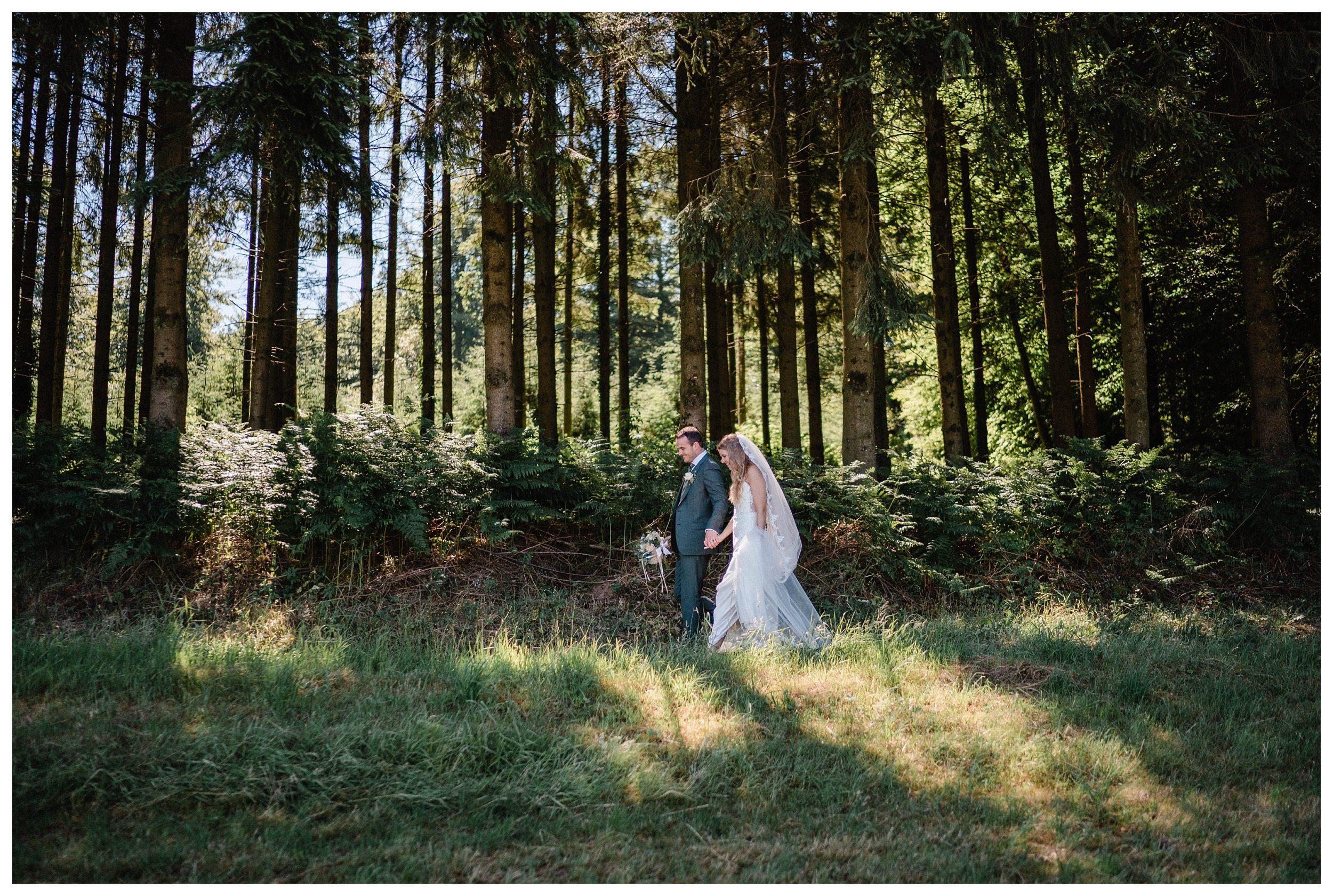 huwelijksfotograaf bruidsfotograaf destinationwedding huwelijksfotografie in ardennen nederland (49).jpg