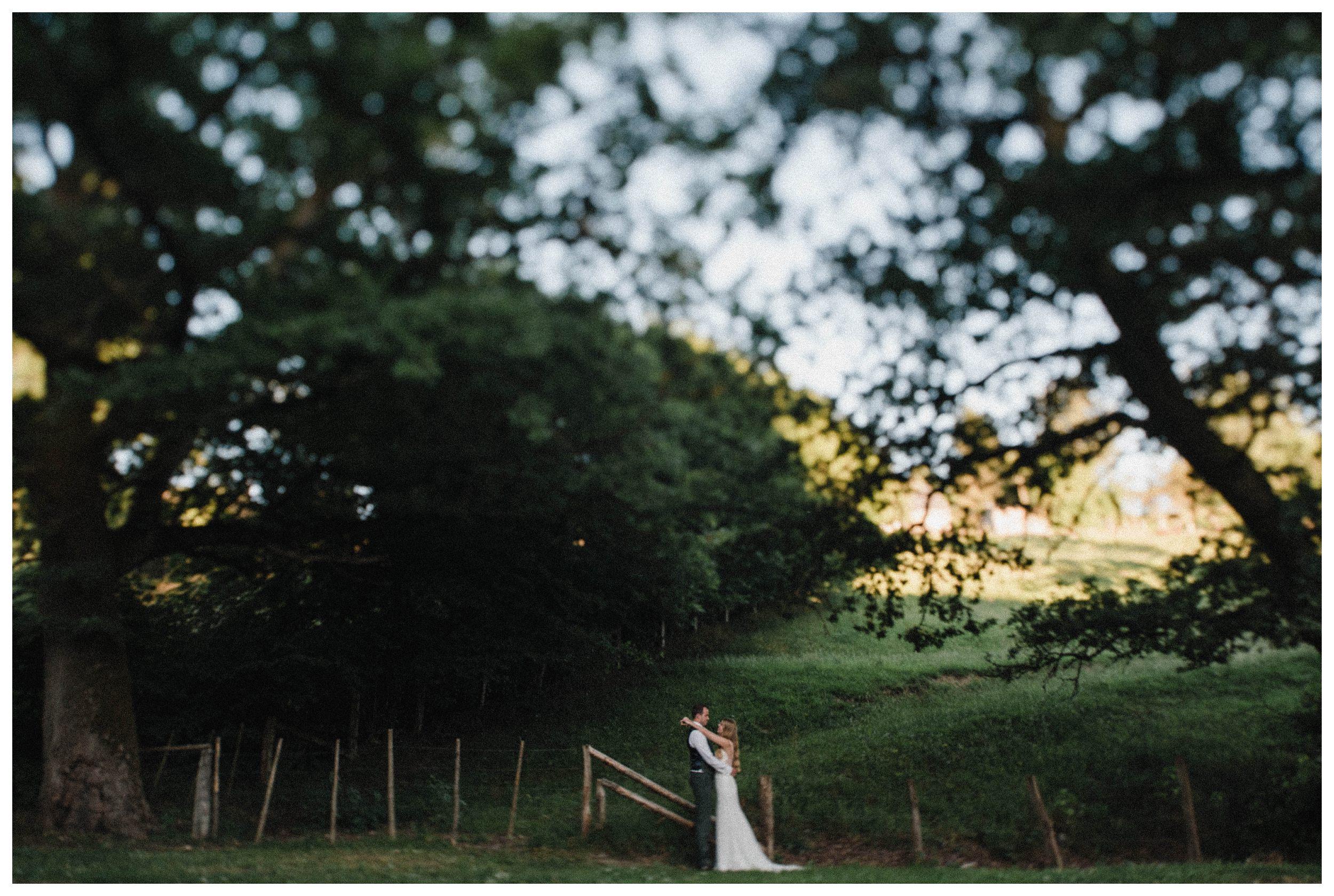 huwelijksfotograaf bruidsfotograaf destinationwedding huwelijksfotografie in ardennen nederland (80).jpg