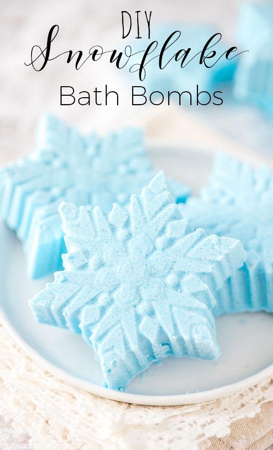 DIY-Snowflake-Bath-Bomb-2.jpg