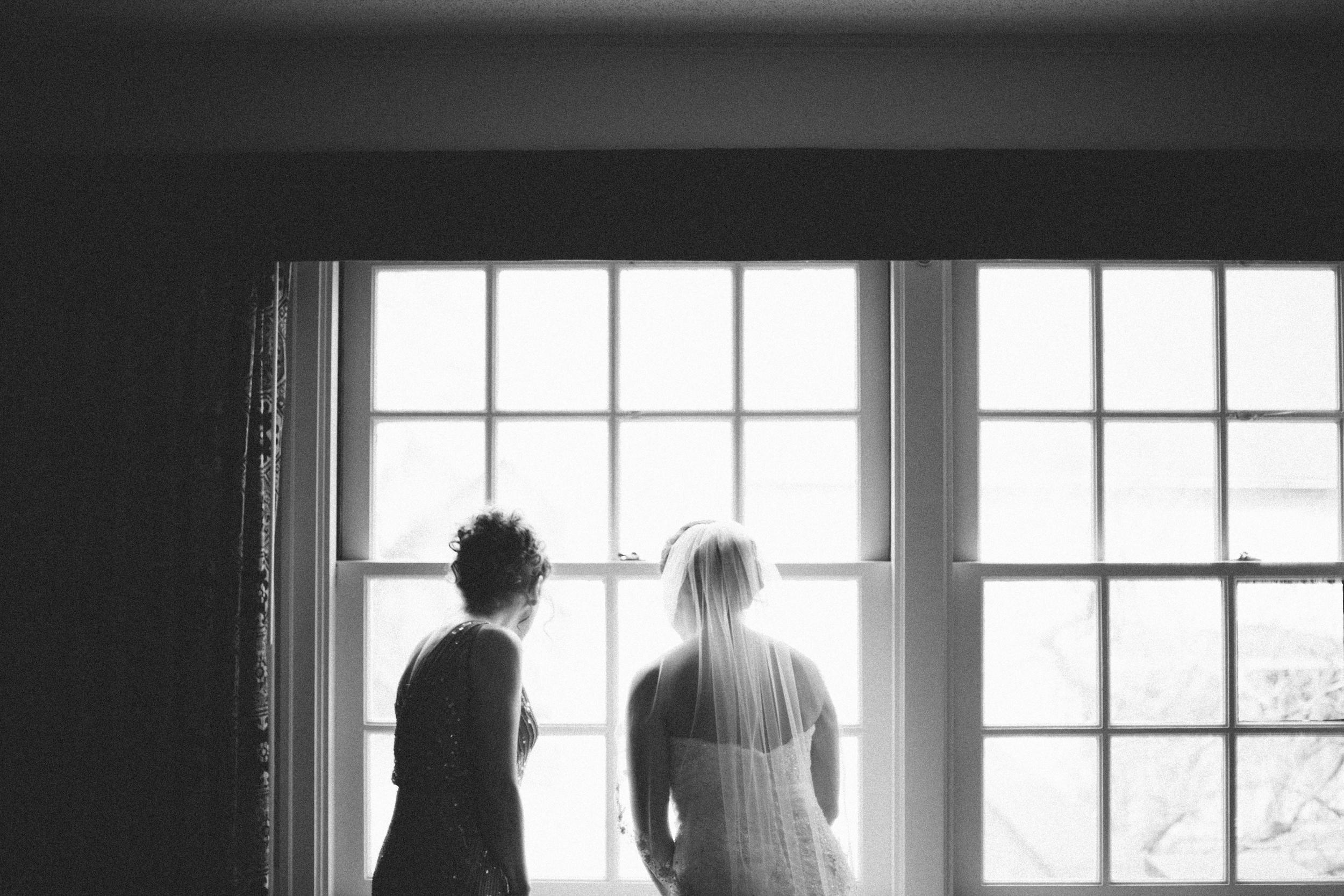 getting ready-bridal party-253.jpg