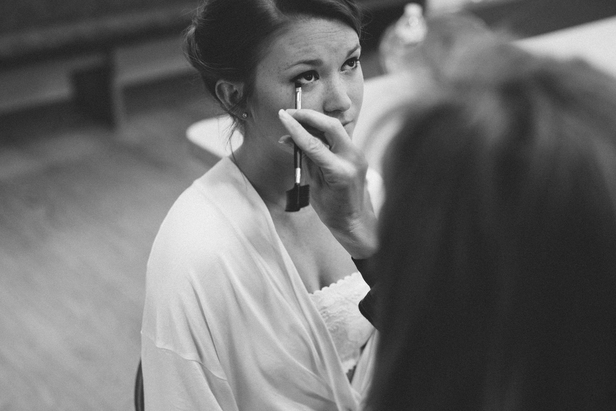 Mikaela Hamilton-Hannah & Joe- getting ready-3.jpg