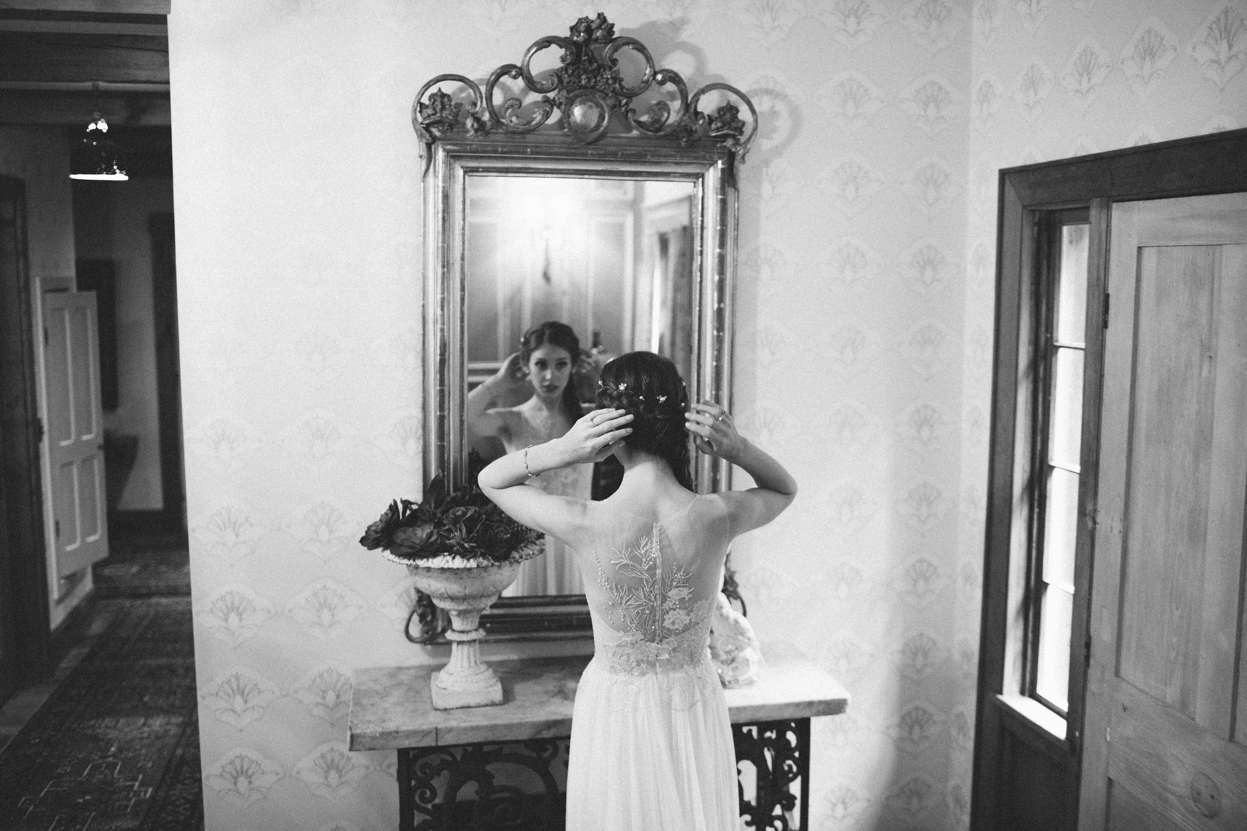 Mikaela Hamilton- A&B getting ready-128.jpg