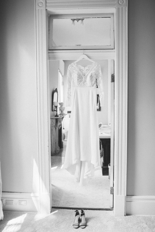 Mikaela Hamilton- Amy & Cody-getting ready-17.jpg