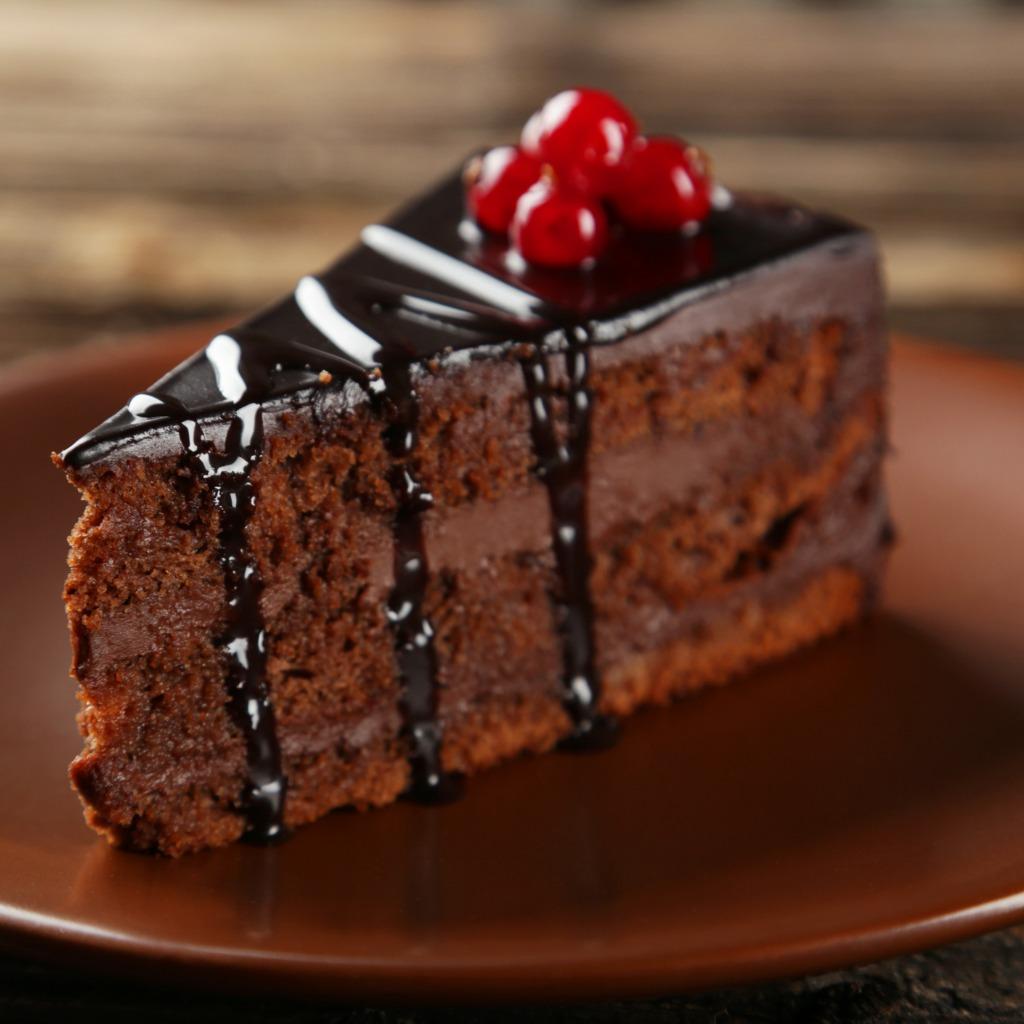 DEVIL'S FOOD CAKE  - - 85 gr margarina- 285 gr zucchero semolato- 2 uova medie appena sbattute- 55 gr cacao in polvere- 220 ml d'acqua- 170 gr di farina autolievitante