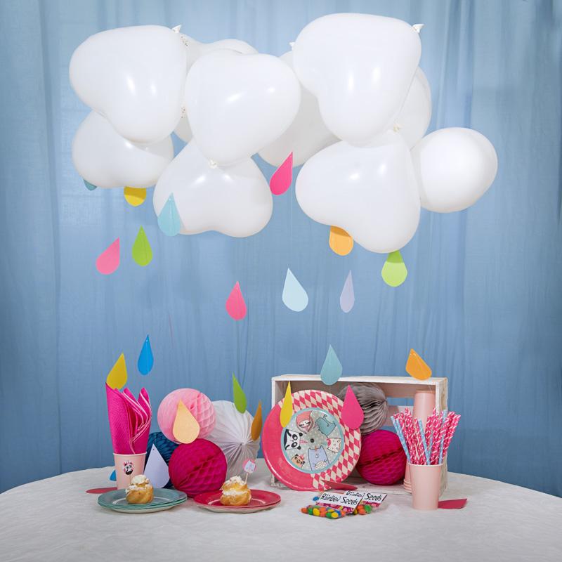 Per uno sweet table unicorn addicted, mixate più colori (quelli giusti) e giocate con forme e altezze. - Usate i piattini della Collezione Poise Unicorn Universe,le cannucce Girl Powere Star Boye le Honey Comb.