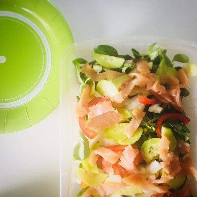 Quando vendi #palettecolore anche nel pranzo che stai preparando... #ilmiogiornoacolori #mago-party #dietfood #lunchbox