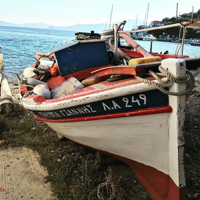Authentic Greece... #agiakyriaki #estate2019 #mediterraneo #trikeri #postibelli