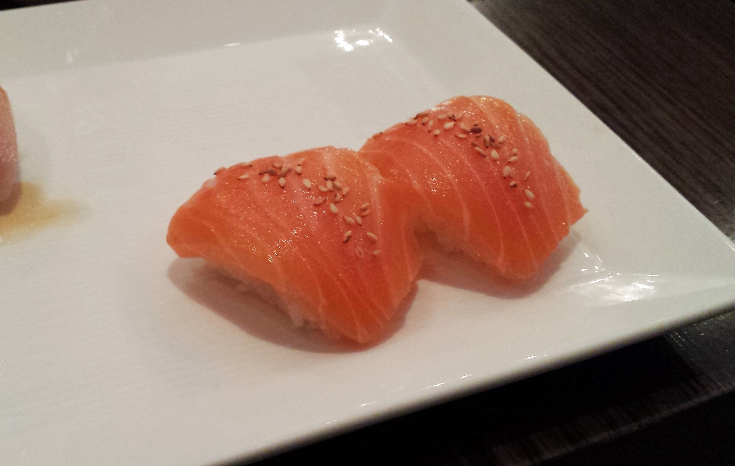 sustainable salmon sushi