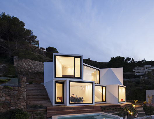 cadaval & sola-morales sunflower house in spain