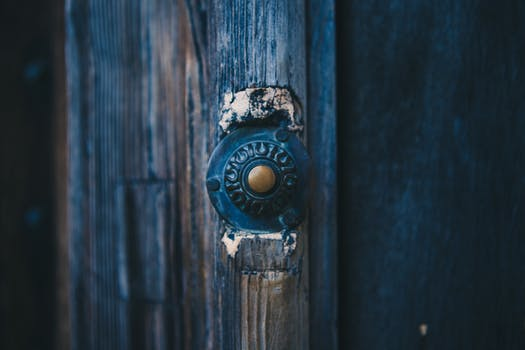 Door Knock. Will they answer? Image source - Pexel.com
