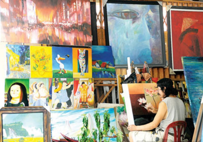 Seeing an artist in action doesnt necessarily mean that the work is original. Reproduction art is on the rise. Image Source - http://dtinews.vn/en/news/024/26391/flourishing-market-for-art-reproduction-in-vietnam.html