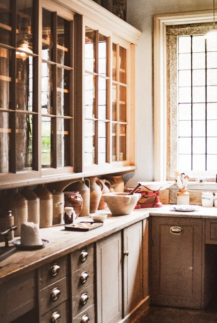 Could be old. Could be new. As this blog discovers, kitchens seems to be going full circle. Image source Pexels,com