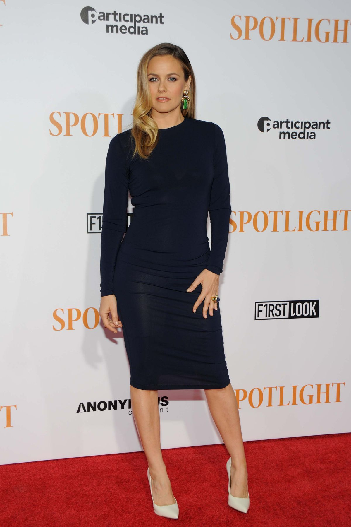 alicia-silverstone-at-spotlight-premiere-in-new-york-10-27-2015_3.jpg