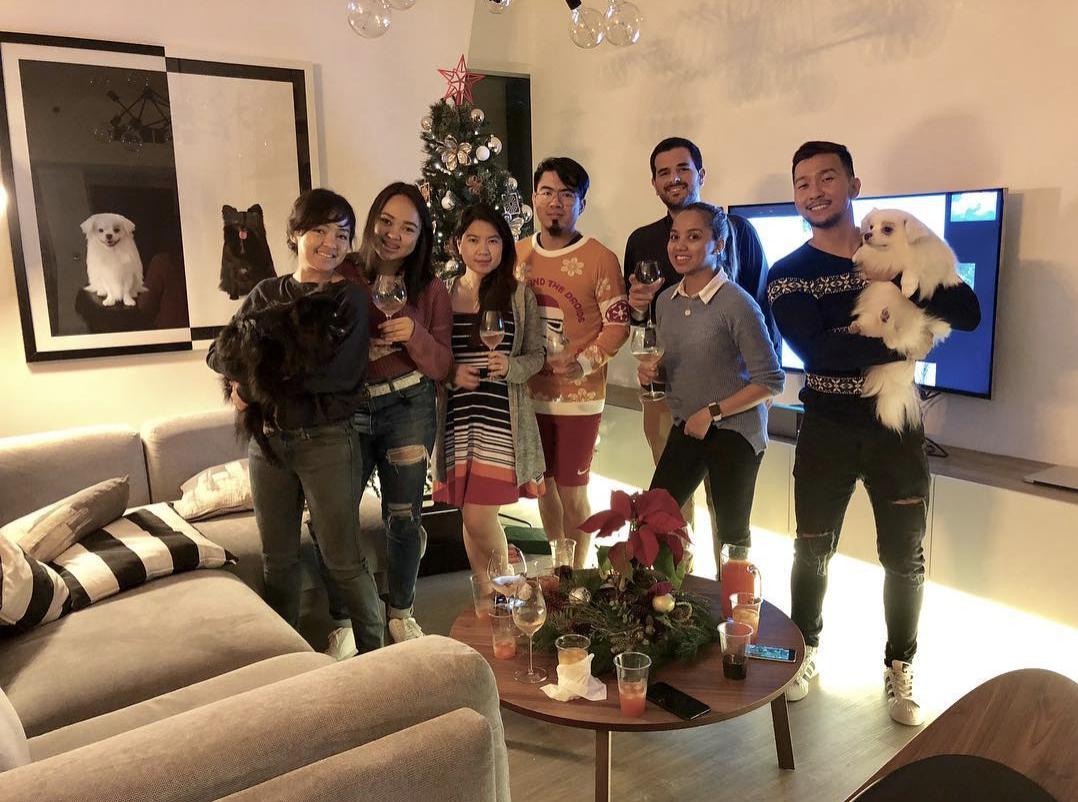 christmas-dubai-united-arab-emirates-family-love.png