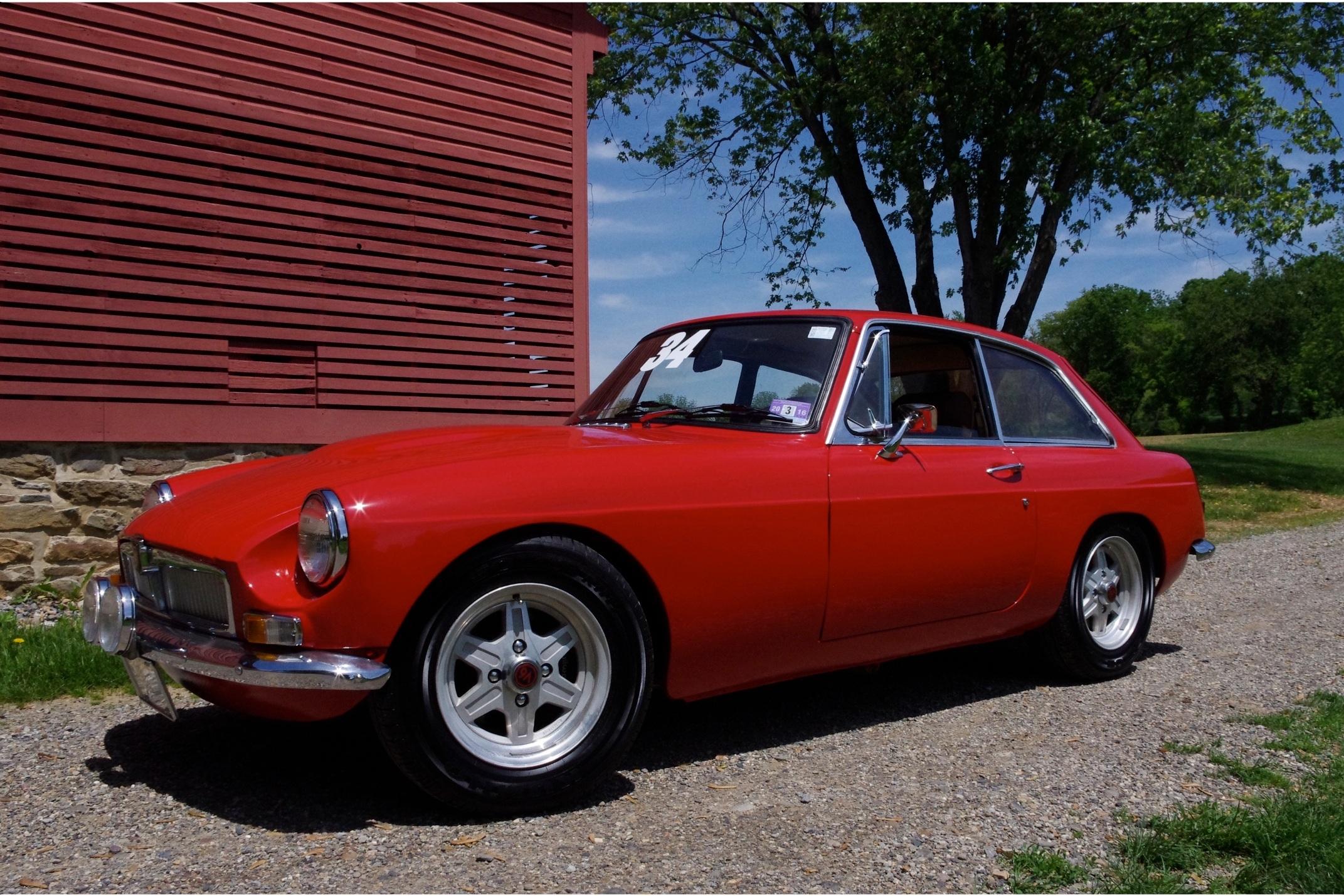I Coulda Had a V8 - Ray Waugh / Caroline Waugh1967 MG MGB GT