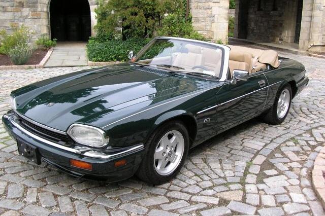 Yanks - Paul Merluzzi / Irena Merluzzi1995 Jaguar XJS