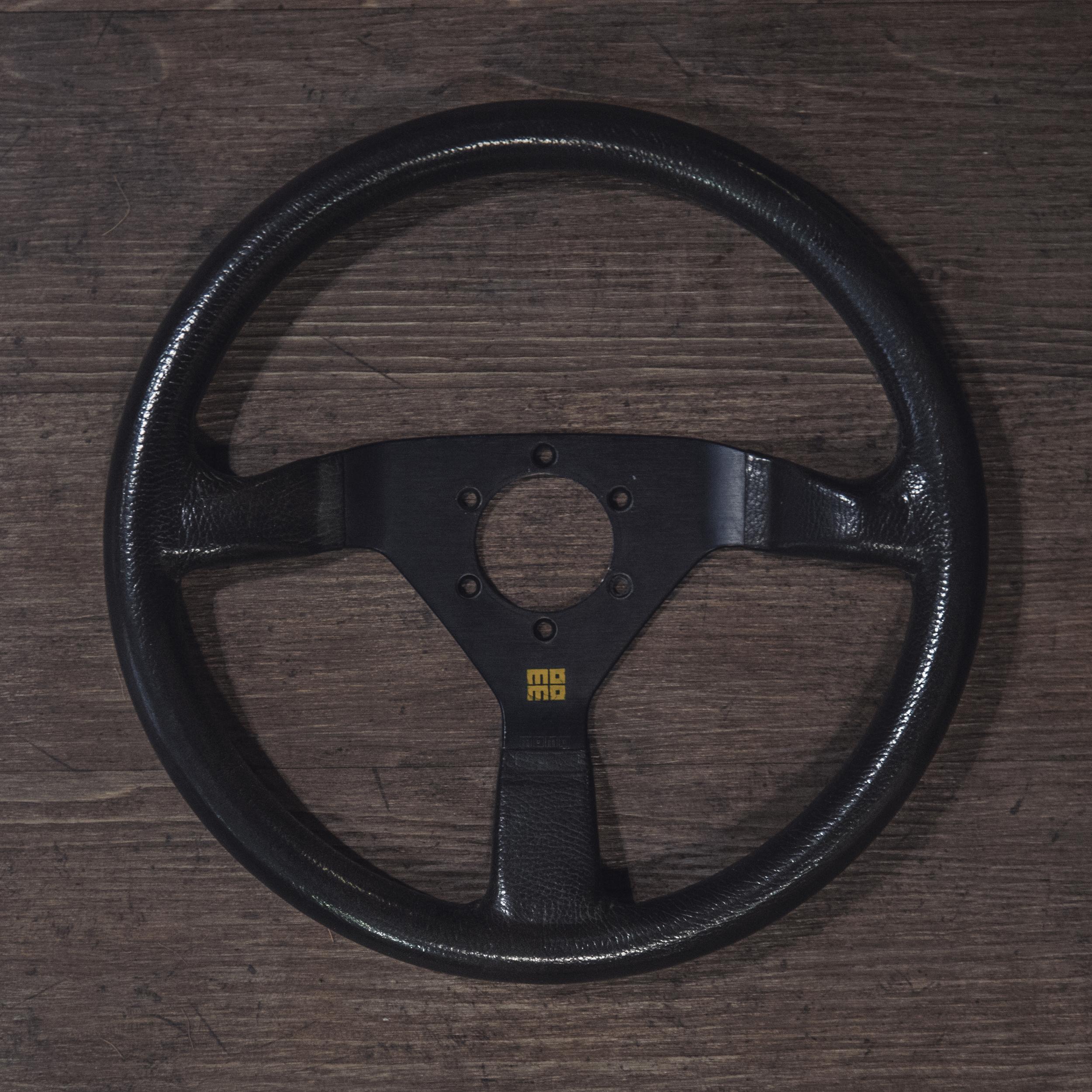 steering_wheels_momo_monte_carlo_a_01.jpg