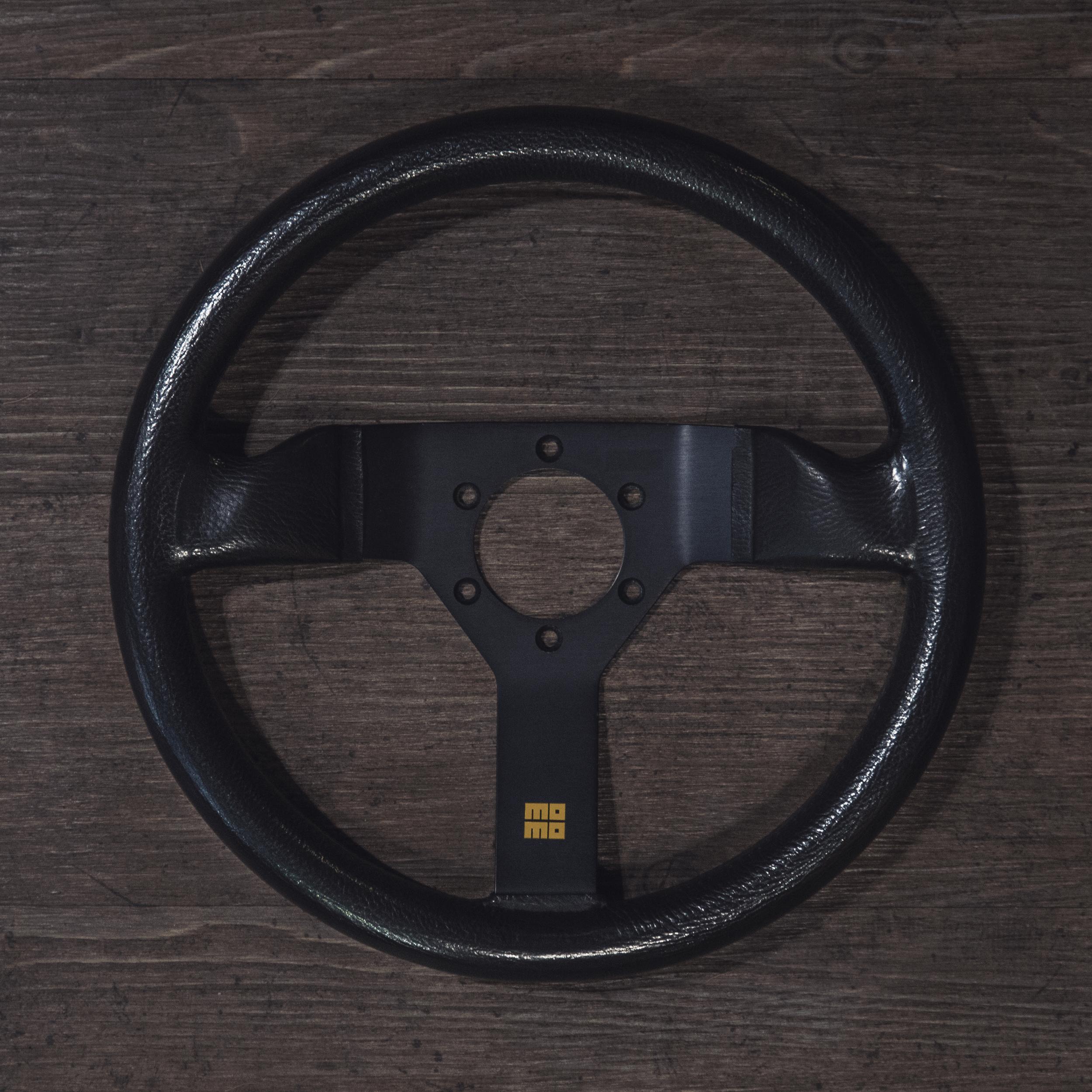 steering_wheels_momo_monte_carlo_b_01.jpg