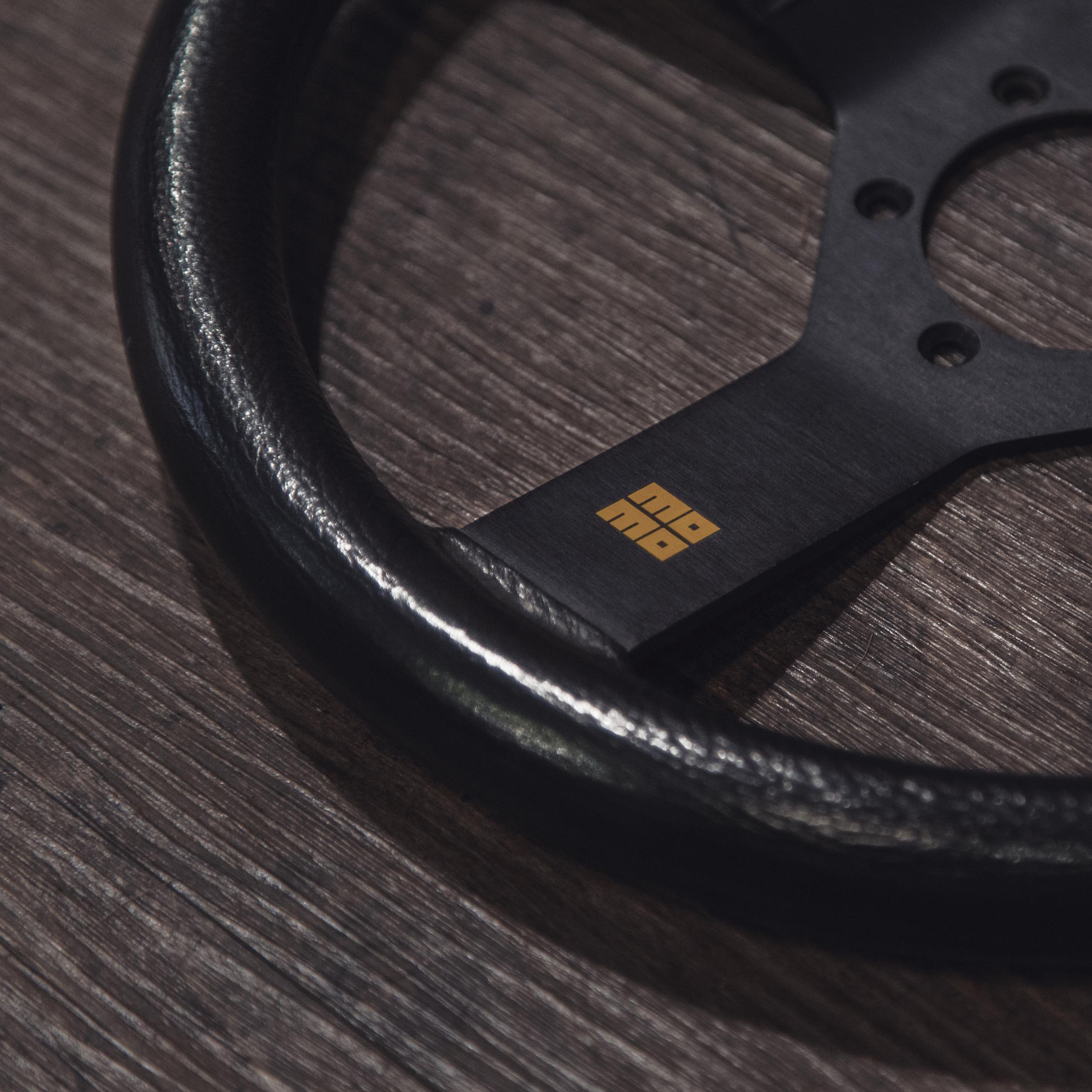 steering_wheels_momo_monte_carlo_b_02.jpg