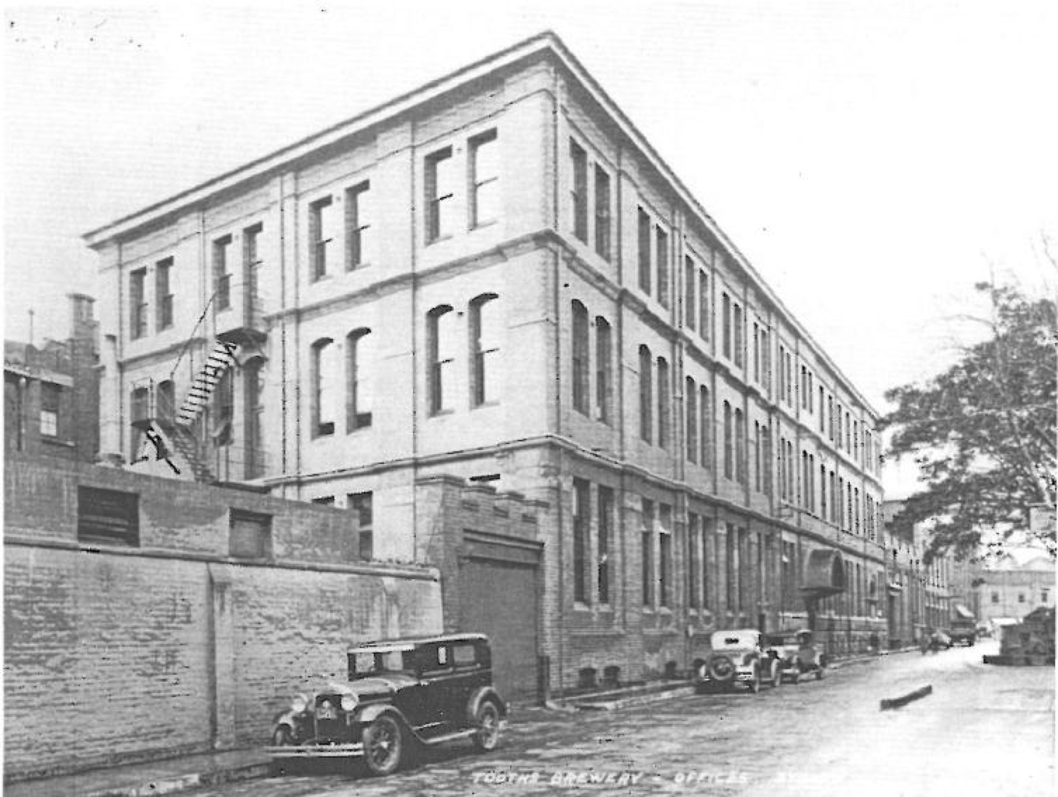 admin building heritage.png