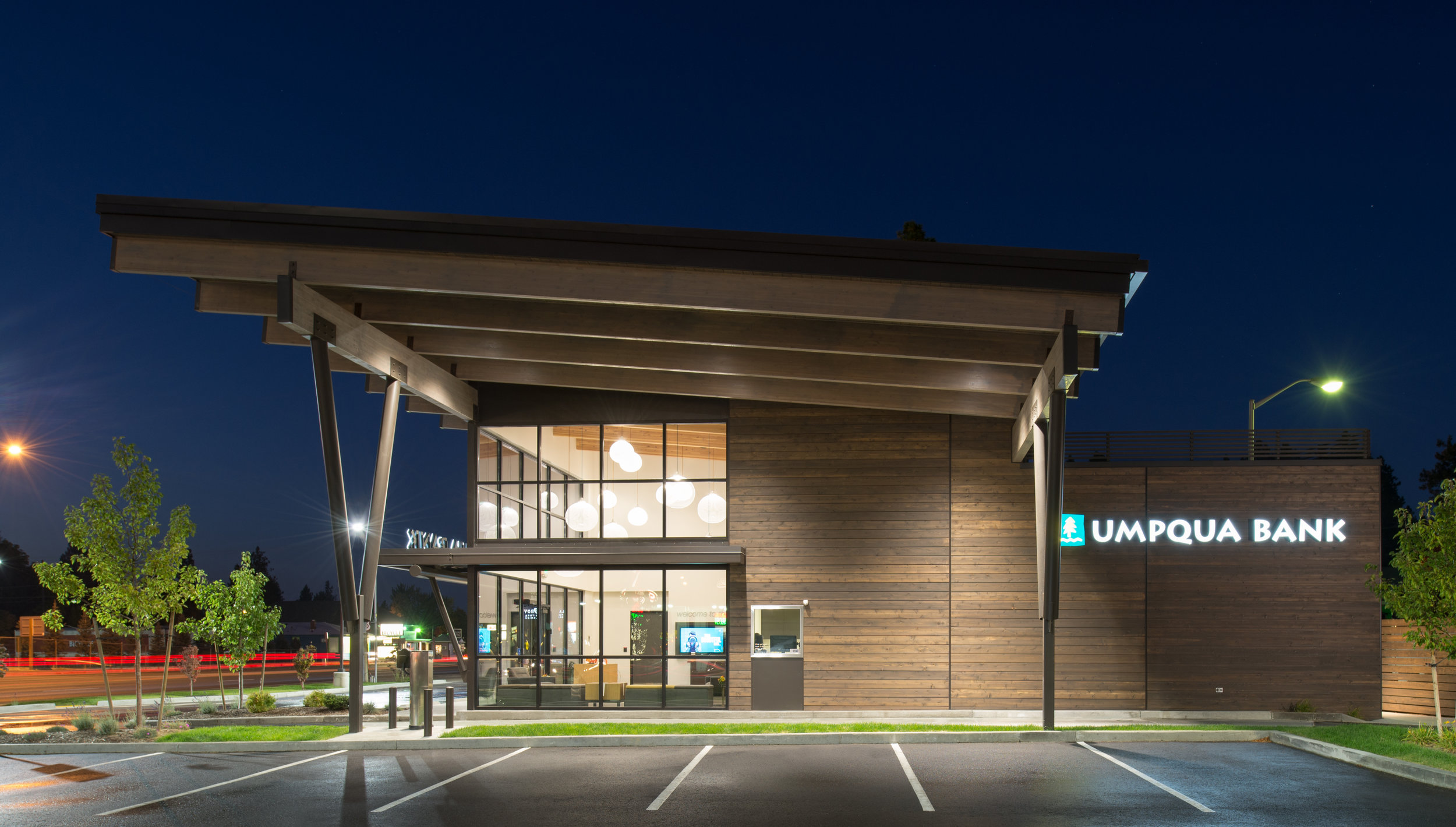 Umpqua Bank-3crop.jpg