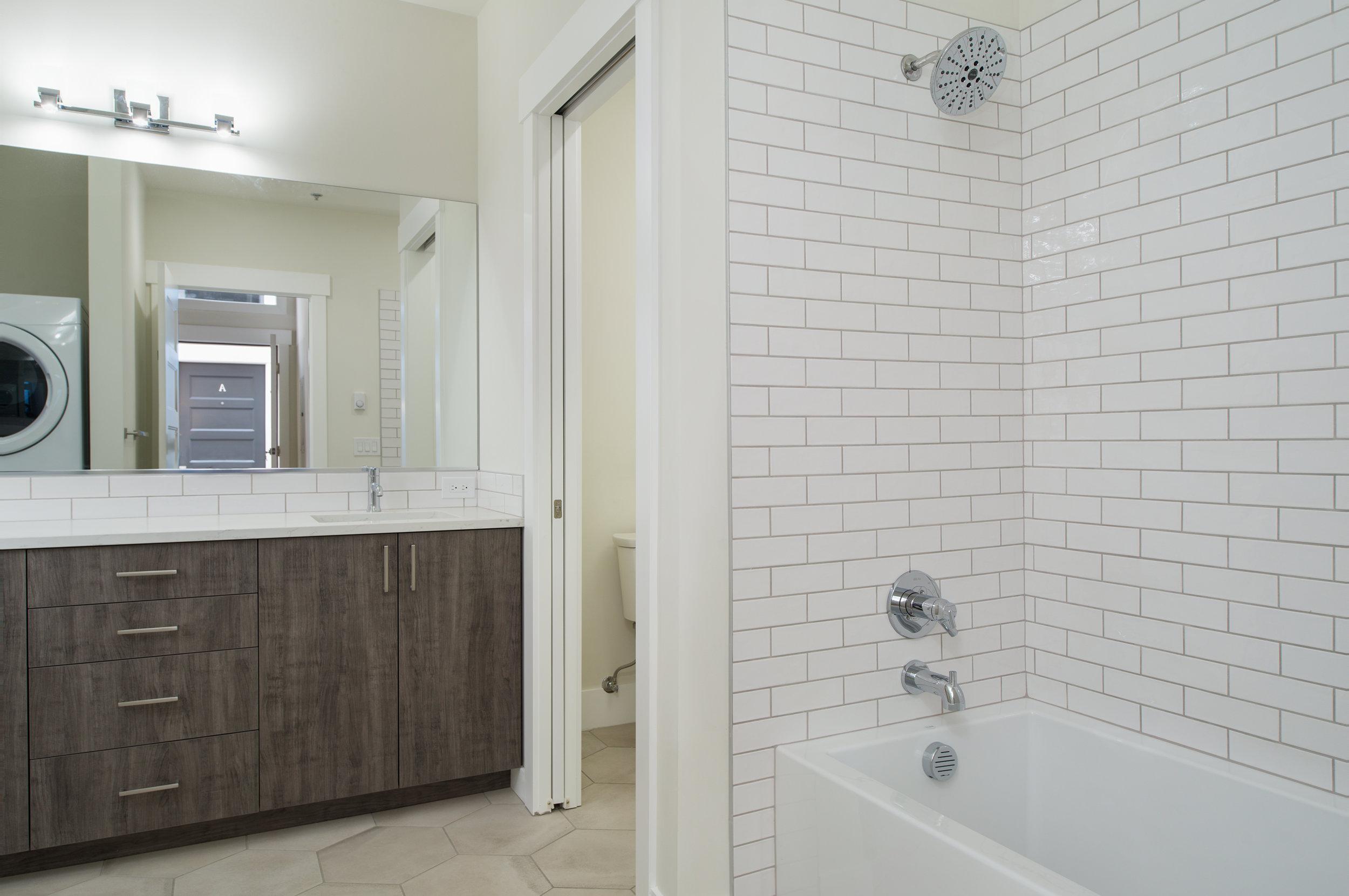 Bath2crop.jpg