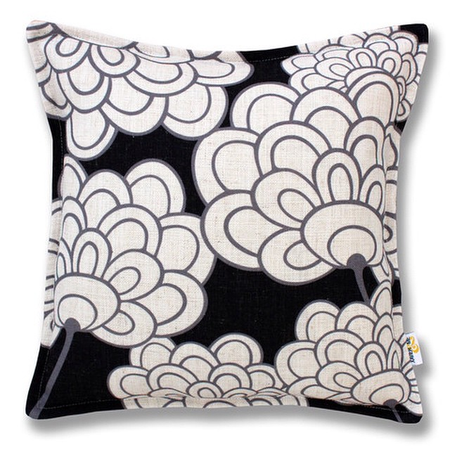 This Flor #Cushion from @xavierandme is crazy cheap at only $29 (was $89). #decor #interiordesign #floralprint #monochrome #howtohq #home #florencebroadhurst