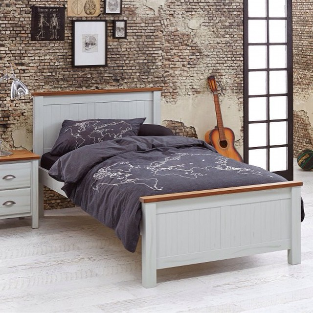 Hey lovelies, new post up on the blog - coastal king single beds #roundup #interiordesign #decorating #designtip #furniture #kingsingle #bedroom #howtohq #home #coastal #style  #cool #white #best @harveynormanau cooper king single featured above. Article includes @domayne_australia @by_dezign_furniture @snooze.australia @freedom_australia @fortywinksaustralia