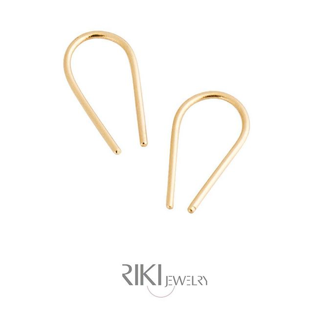 **14K mini horseshoe earings** http://www.rikisjewelry.com/earrings/arc-horseshoe-earrings