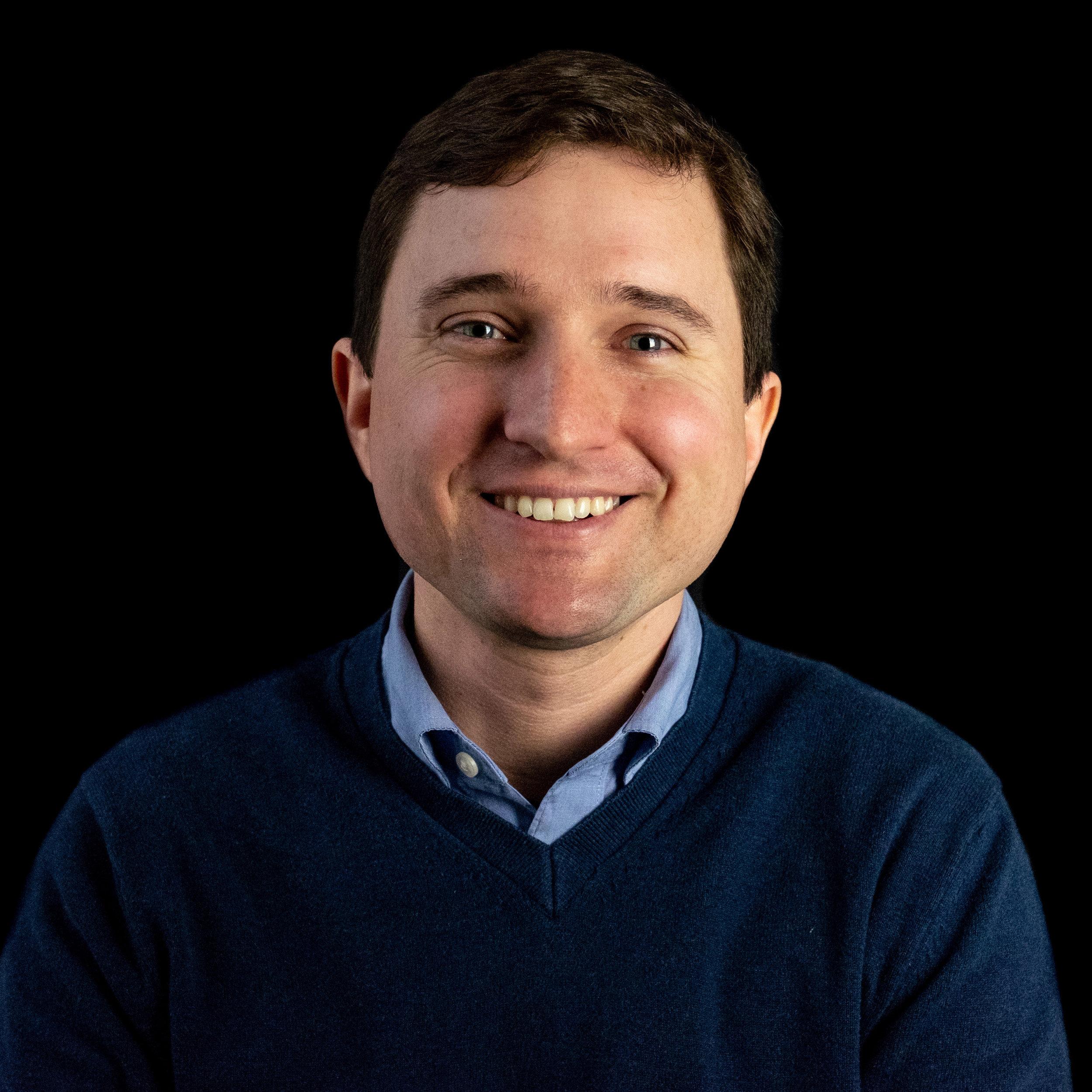 Ian Hippensteele Headshot Color.jpg