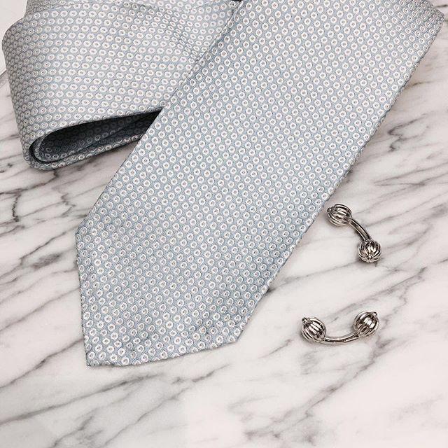 ☁️☁️ Also available in gold and rose gold.  www.gatsbymen.com  #cufflinks #bespoke #pitti #savilerow #style #london #tailor #classicmen #highfashionmen #gatsby #inspiration #outfitoftheday #WTWT #menstyleguide #vogue #gqguys #sprezza #gentleman #natural #mensfashion #raw #menswear #mensweardaily #fresh #menwithstyle #dapper #permanentstyle #weddings #classic