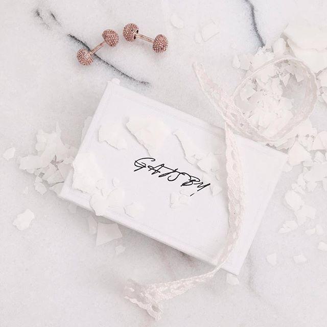 Say yes!  Rose Gold Sculptured Knot. Also available in silver.  www.gatsbymen.com  #cufflinks #bespoke #pitti #savilerow #pittiuomo #firenze #florence #sprezzatura #pitti89 #gatsby #esquire #gq #mrporter #menstyleguide #vogue #bazaar #therake #gentleman #vanityfair #mensfashion #fashion #menswear #mensweardaily #netaporter #menwithstyle #dapper #permanentstyle #weddings #classic