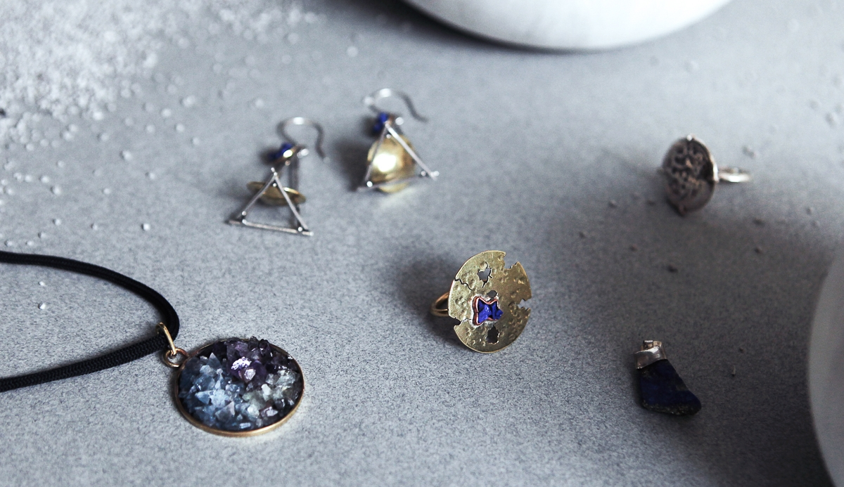 Lapis lazuli, one of Afghanistan's richest local minerals, features heavily in our Afghanistan collection series.