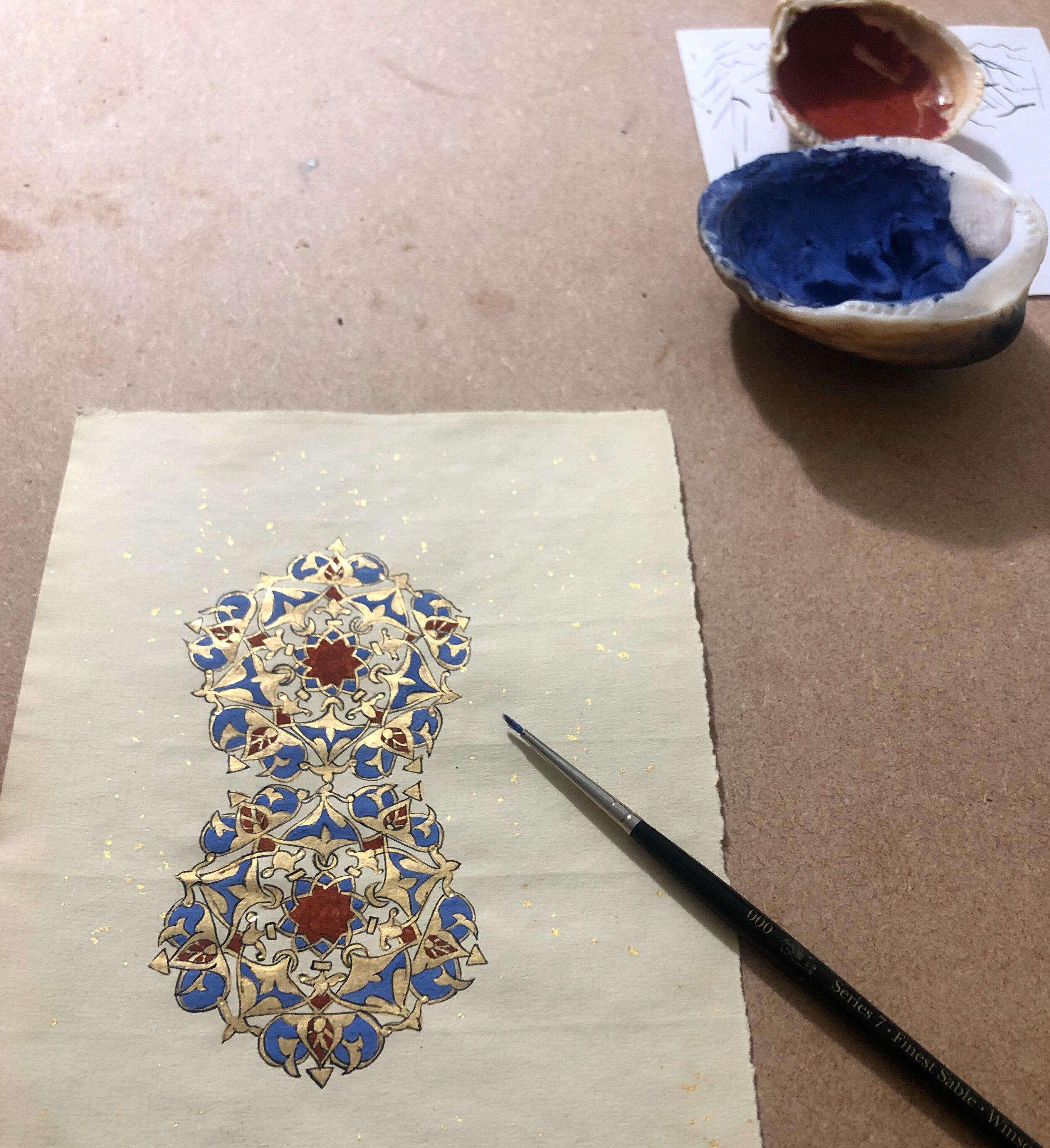 Esra used 22ct gold, lapis lazuli, red jasper and black Indian ink for this beautiful print. Photo: @i slamicillumination