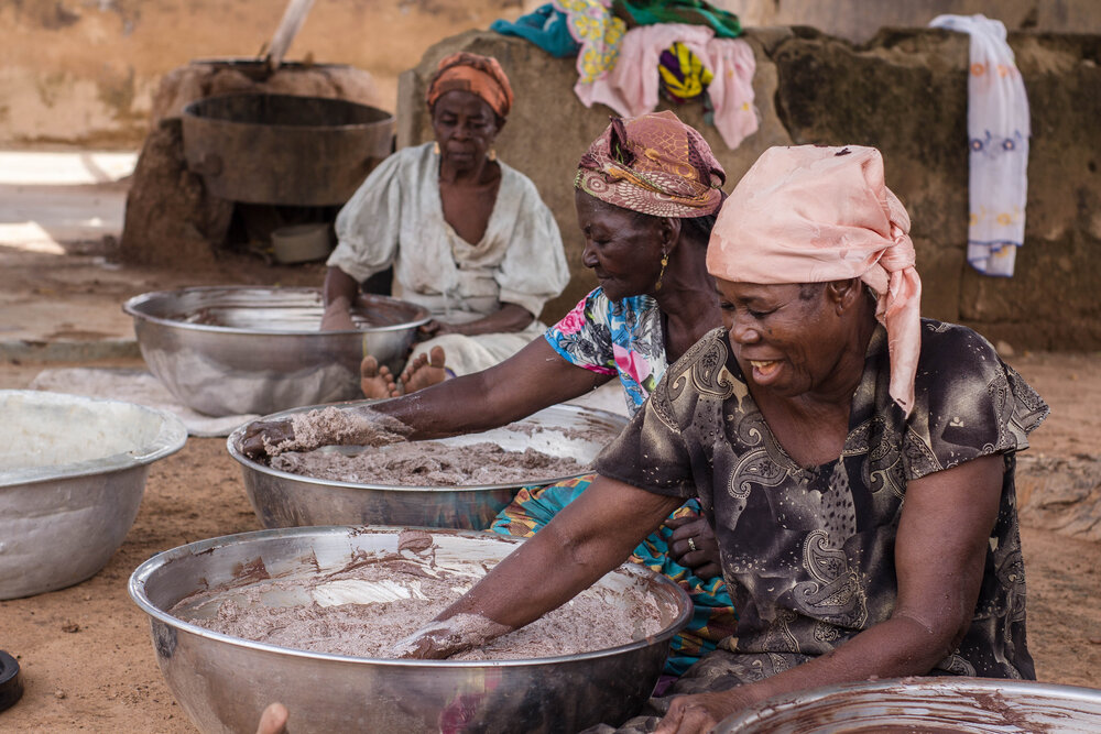 Women processing shea butter into soaps in Tamale, Ghana. Image:  Poapoa.