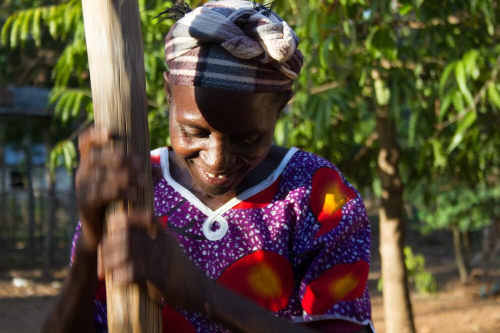 A farmer in Kenya. Image:  Poapoa .